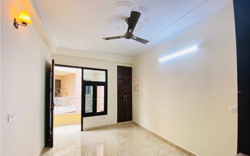 2 BHK flat in Chattarpur